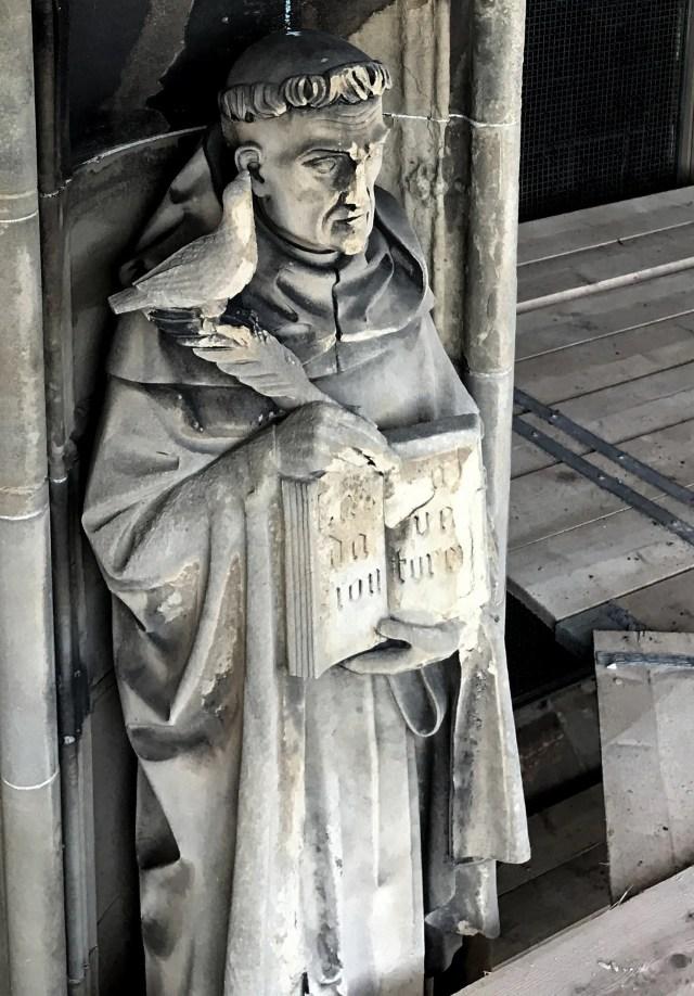 beeld van Thomas van Aquino