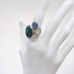 瑪瑙とカイヤナイトにリング