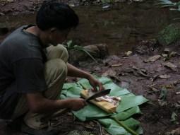 32-Luang Namtha-trekking in the jungle, making dinner
