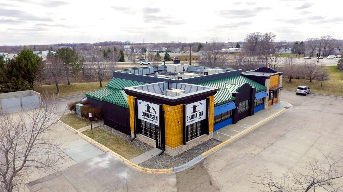 Chanhassen Brewing Company occupies a former Perkins restaurant • Photo by Jordan Wipf