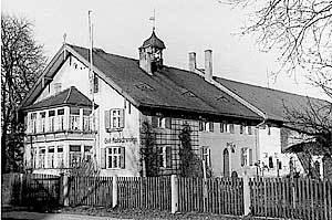 1919 übernahm unser Uropa Peter Paul Winkler das Gut Rothschwaige