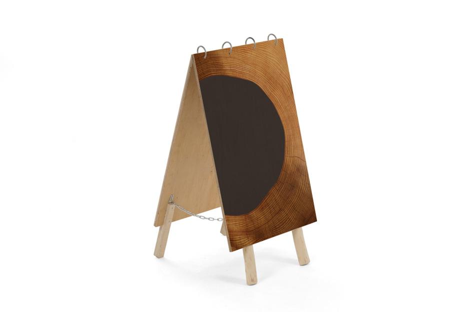 Uitvaart bord, uitvaart benodigdheden uitvaartonderneming, schoolbord krijt, Beerenberg hout element
