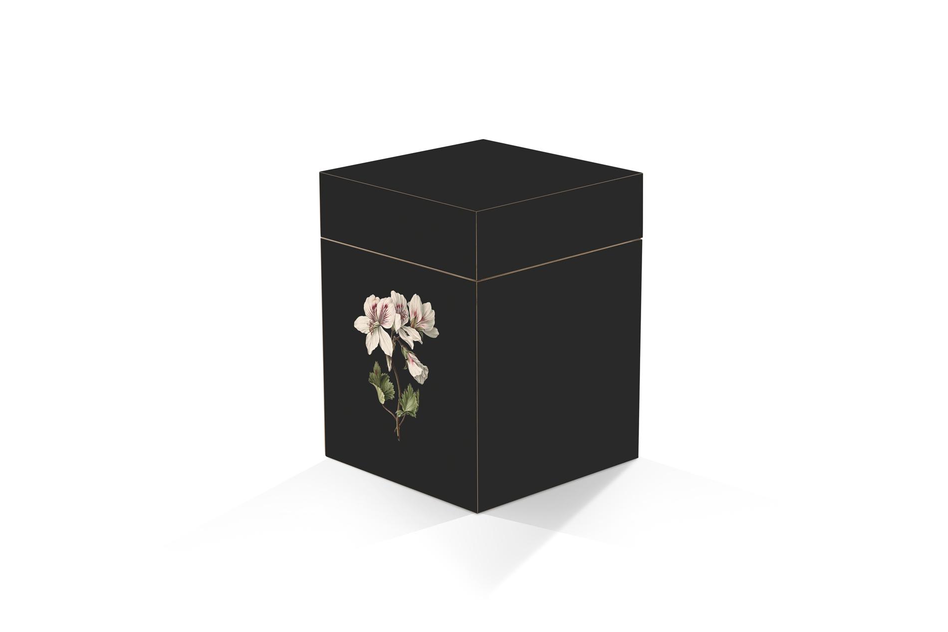 persoonlijke urn hout rechthoek print bloem zwart Beerenberg persoonlijk