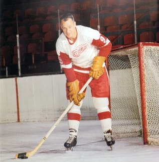 Gordie Howe just kept playing and playing and playing.