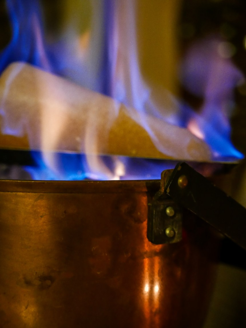 Feuerzangenbowle Zuckerhut Rezept