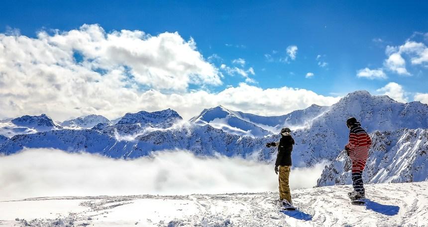 Winterwelten Arosa Lenzerheide Hörnlihütte Snowboard Aussicht blauer Himmel