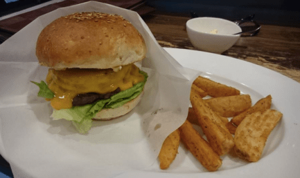 Darcy's Beer & Burger Food 3