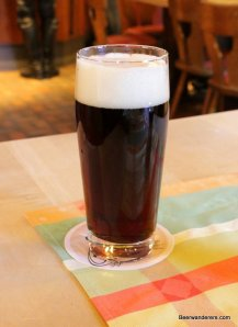 dark smoke beer in glass