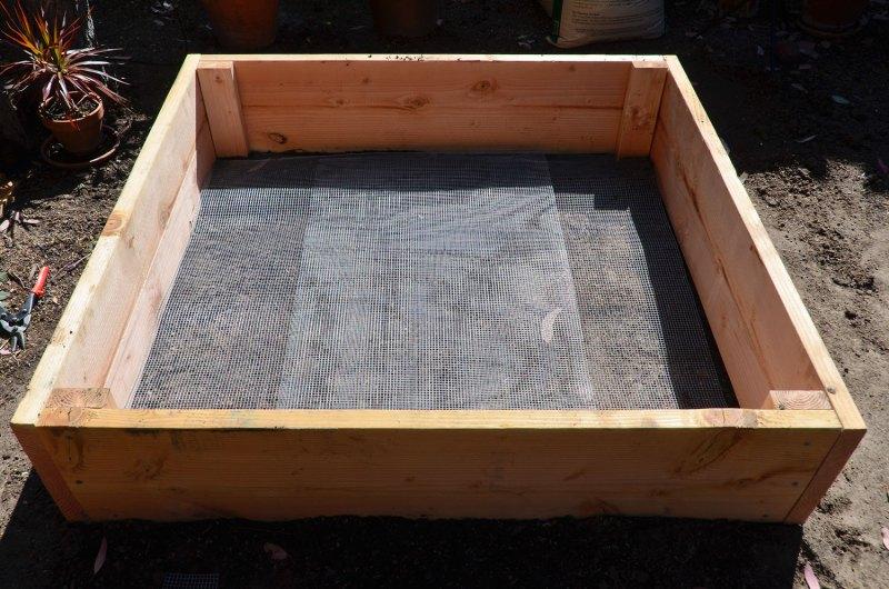 Build Raised Garden Bed Plans On Legs Diy Bookshelf Design