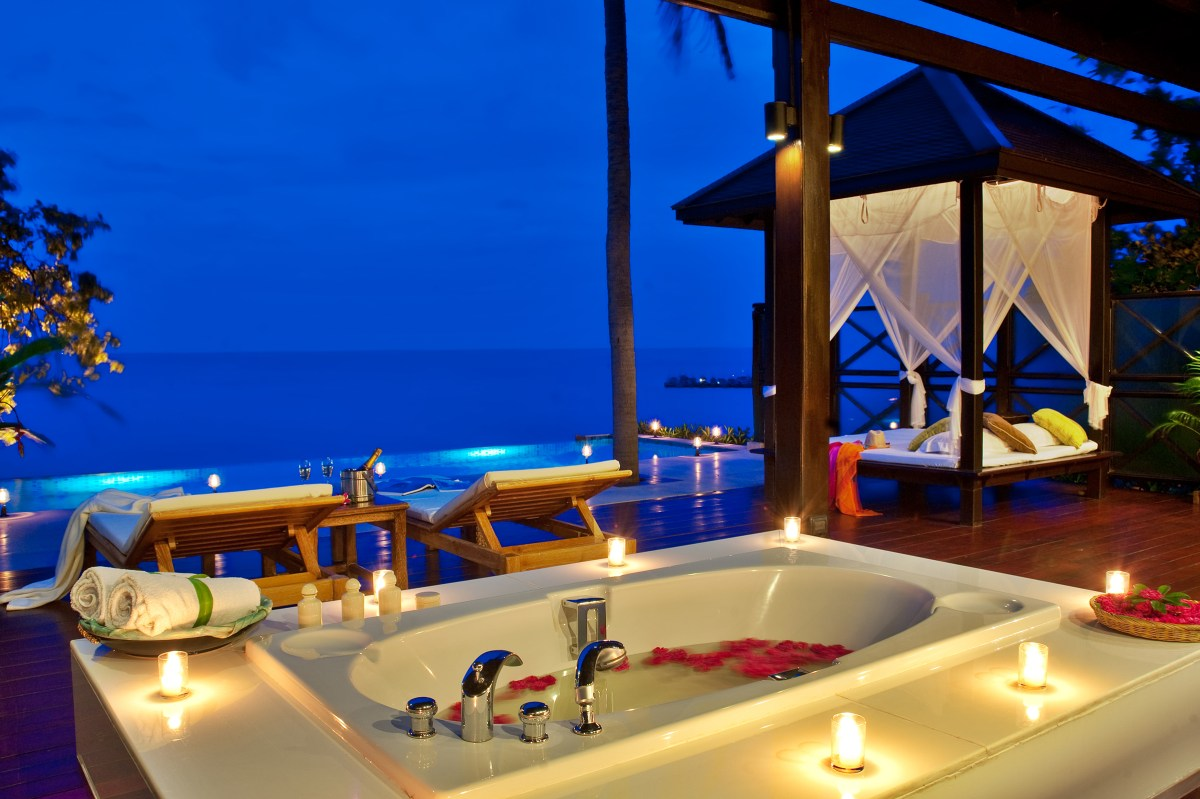 Incredible Stay at Tongsai Bay Resort, Koh Samui, Thailand. Image by www.stylishtraveltips.com Bee's Journey - Travel Inspiration, Lifestyle and Unique Hotels Blog. www.beesjourney.com