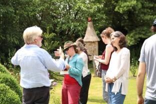 Natural Beekeeping Trust con Gareth John