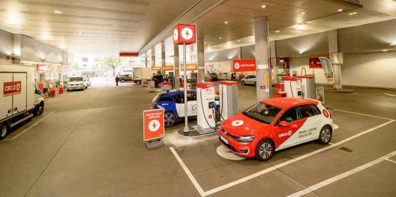 La station Circle K de la place Kiellands a été équipée de 4 bornes 50 kW et 2 bornes 150 kW