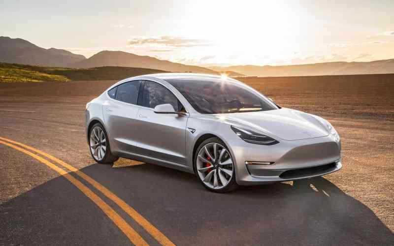 voiture-électrique-sportive_Tesla Model 3