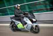 Quel scooter électrique choisir ? Quelles sont les aides disponibles ?