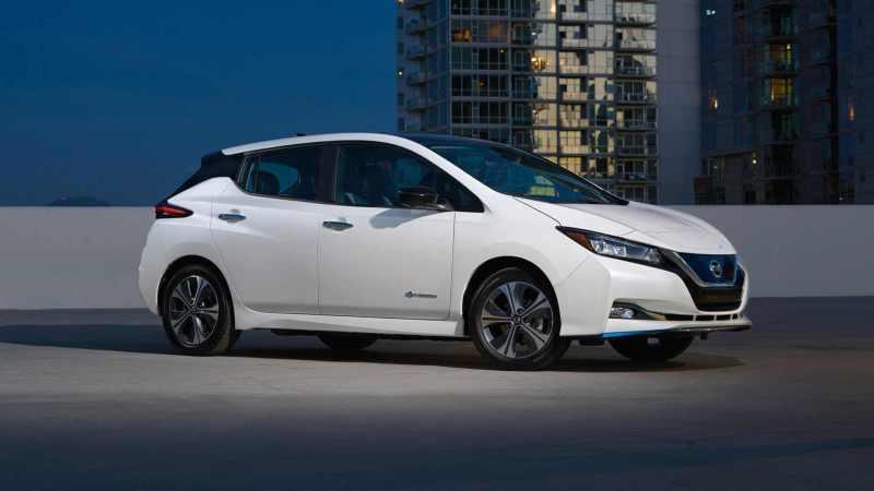 Nissan leaf- voiture électrique autoroute