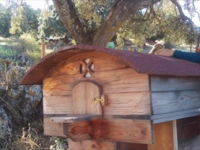 "A journey with ""La Cama de Abejas"" – La Donaira's Bee Bed"