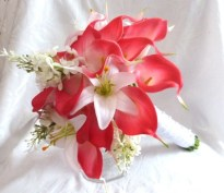fuchsia_red_calla_lilies_with_white_lilac_and_lily_bridal_bouquet_e5963d94