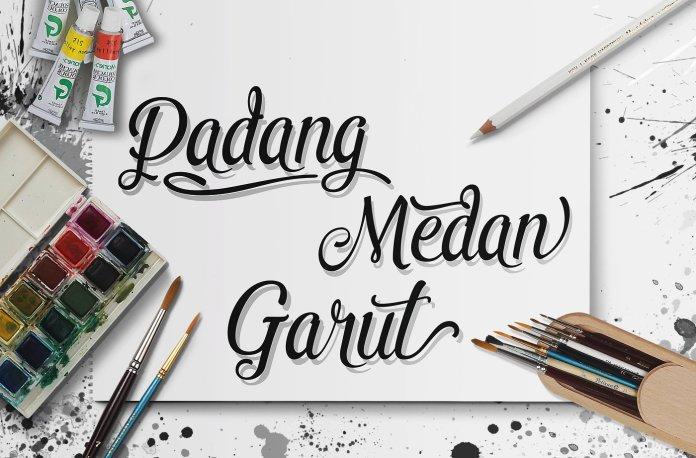 Pamega Script Font