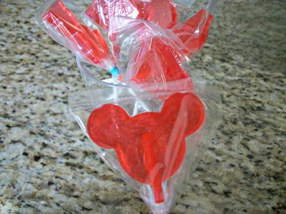 Homemade lollipops using metal molds. Before3pm.com