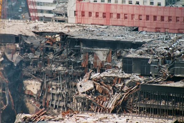 035 13 600x402 - Salen a la luz unas exclusivas fotografias del 11 de Septiembre