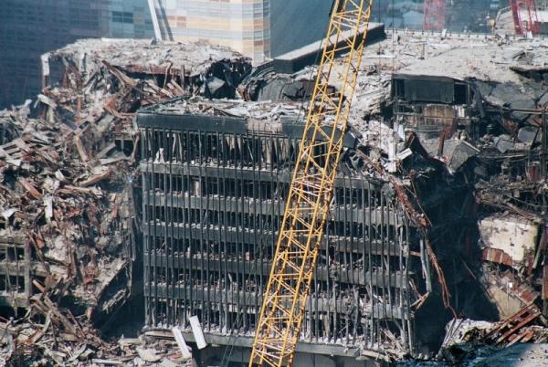 045 23 600x402 - Salen a la luz unas exclusivas fotografias del 11 de Septiembre