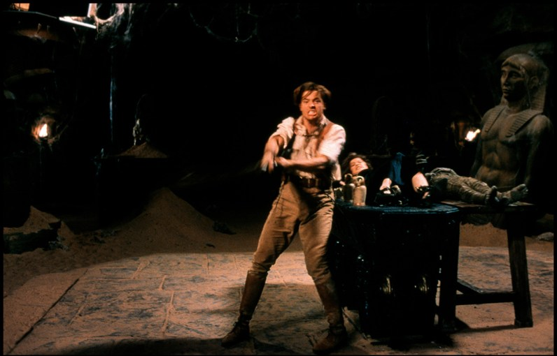 Brendan Fraser performing the scene for a clean plate
