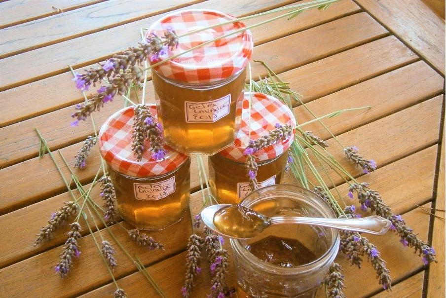 Gelee de jus de pomme aux fleurs de lavande