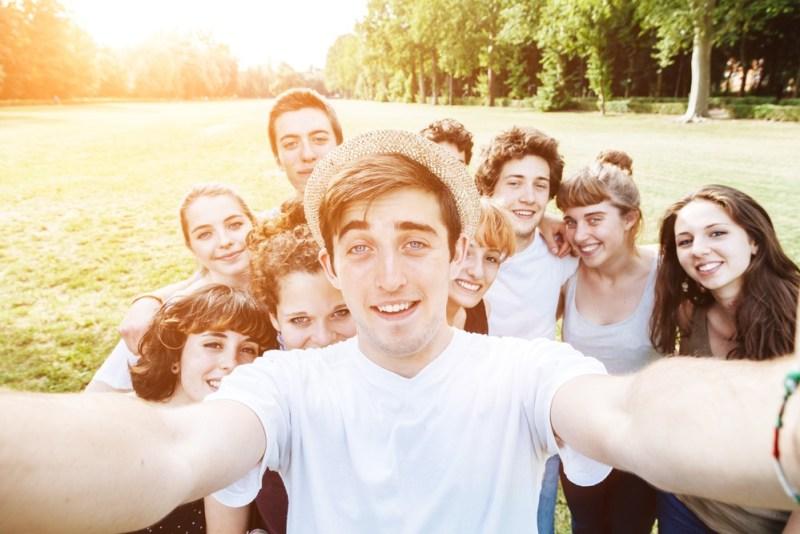take-a-wide-selfie
