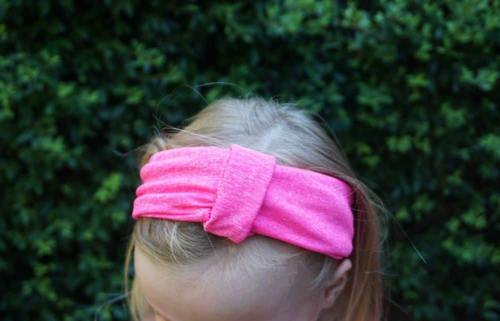 Easy DIY knot headband from stretch knit