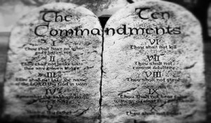 The Mosaic Law | Are Christians required to follow the ten commandments and Levitical laws? Bible Study