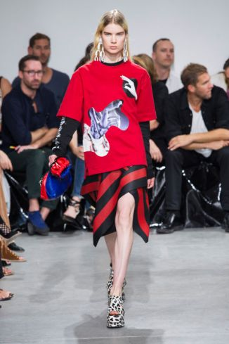 http://www.vogue.co.uk/shows/spring-summer-2017-ready-to-wear/proenza-schouler/collection/