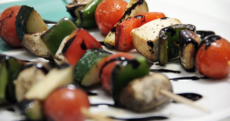 Brochetas de verduras y tofu