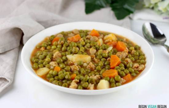 Guiso de guisantes con soja texturizada
