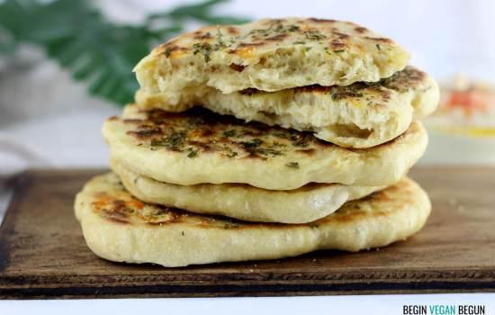 Pan naan vegano (pan en sartén, sin horno)