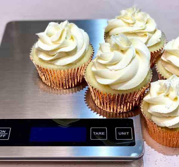Cupcakes with vanilla buttercream.