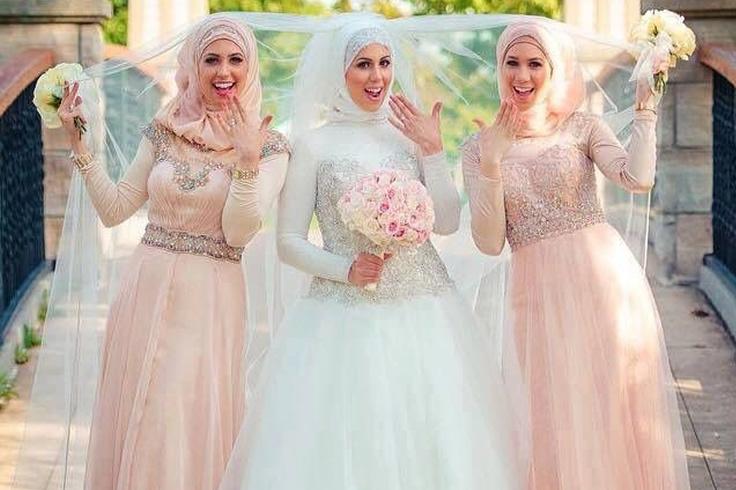 Tips Model Hijab Saat Pergi Ke Pesta Blog Behijab Koleksi Hijab Fashion Terbaru Cuman Di Behijab Com - Pesta Adalah, Model Gamis Batik Pesta Modern Untuk Anda Gunakan