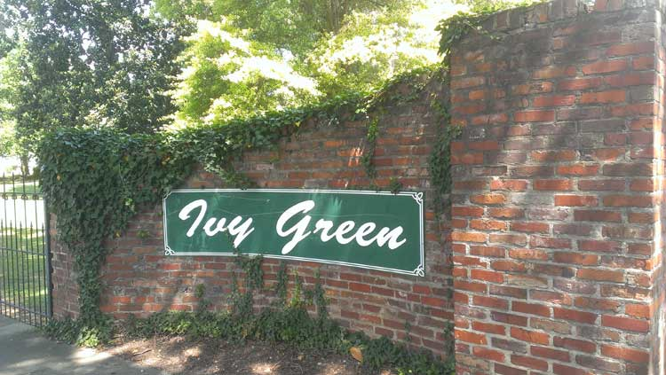 entrance to ivy green Helen Keller birthplace