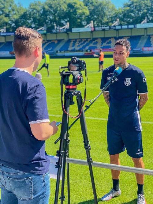 Niels Verzijlberg interviewing a player