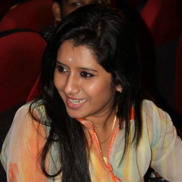 Priyanka Deshpande Biography, Wiki, DOB, Family, Profile