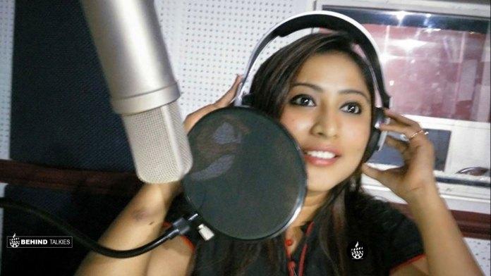 Archana Suseela In Radio Station