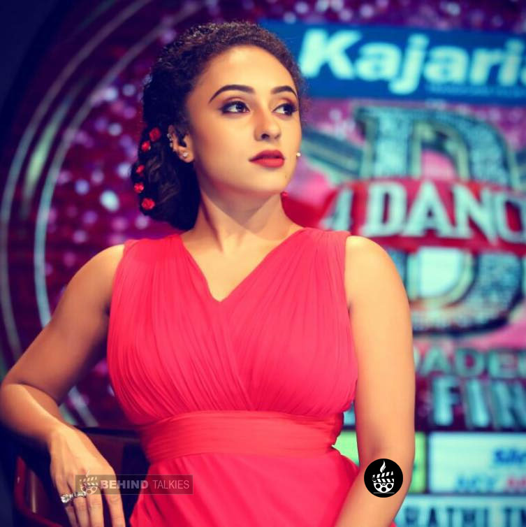 Pearle Maaney vedio jackey