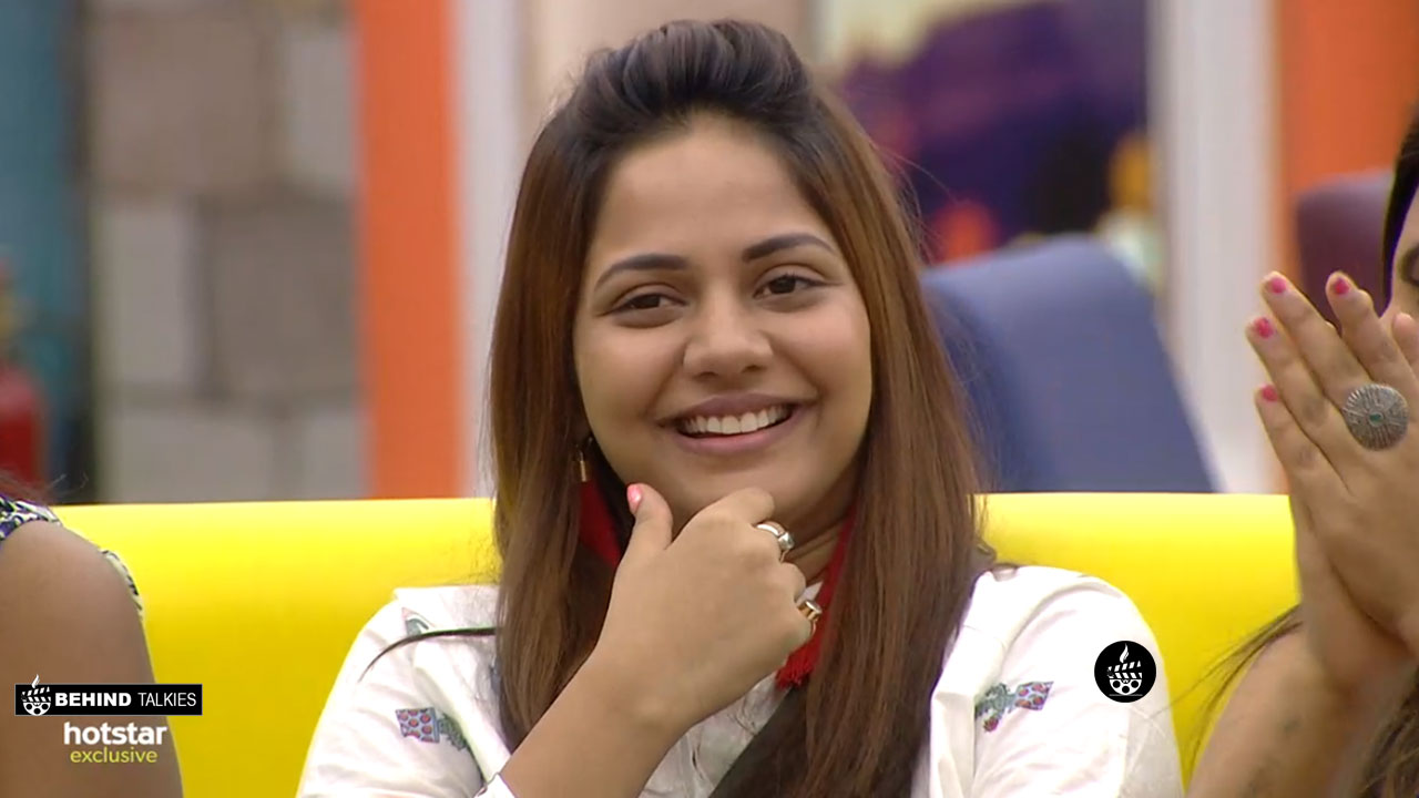 Aishwarya dutta smiling in Bigg Boss
