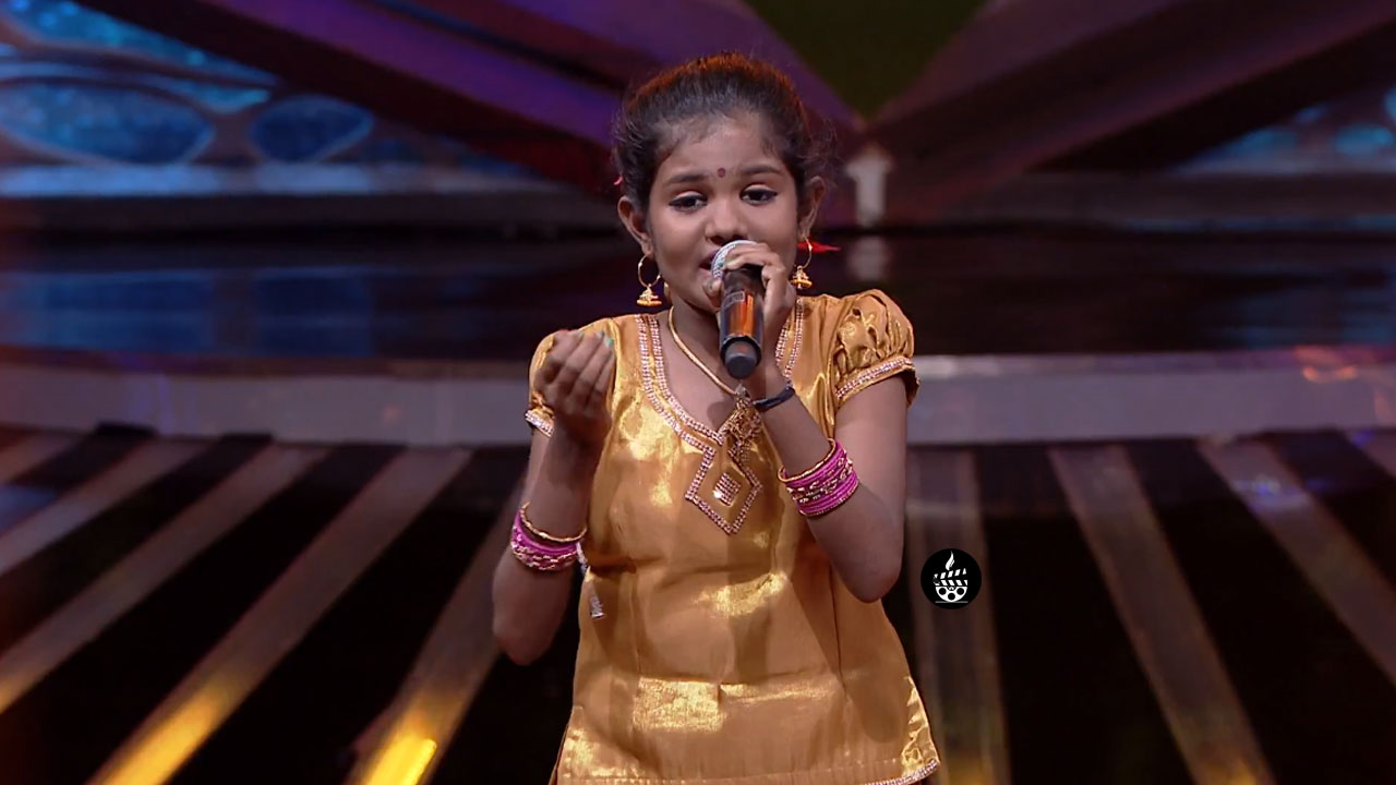 Super Singer Vidhyarupini