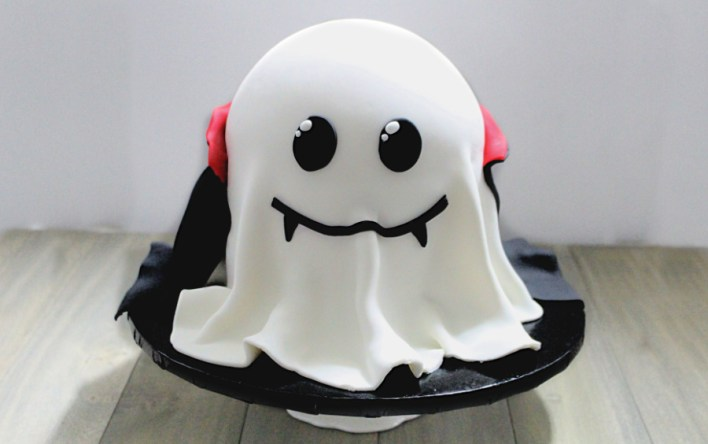 behind the cake~ How to make a ghost cake - Halloween cake ideas