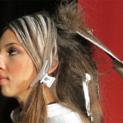 painting hair - balayage application