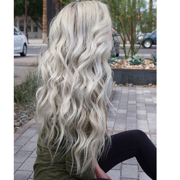 Effortless, Lived-In Waves by @maggiemh using all amika styling product and tools