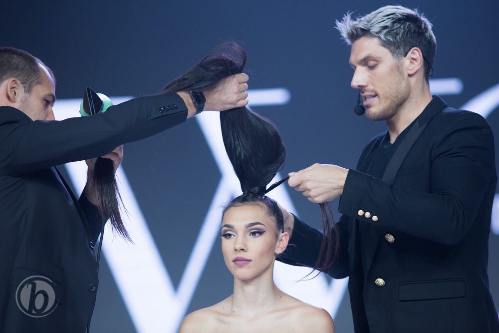 chris appleton ariana grande celebrity stylist snatched ponytail how-to tips styling