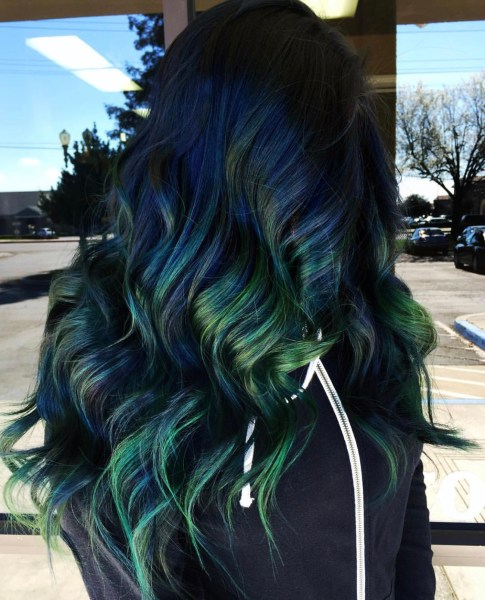 blue green fashion hair color for fall by @sydniiee