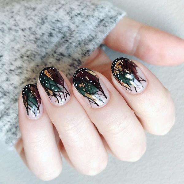 buggcsjen-cnd-gold-nails