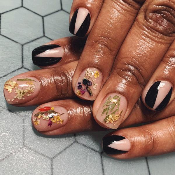 floral-nail-art-spifster